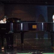 שירה בליווי פסנתר